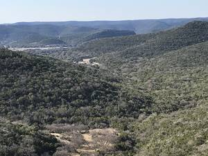 Texas Real estate - Property in LEAKEY,TX